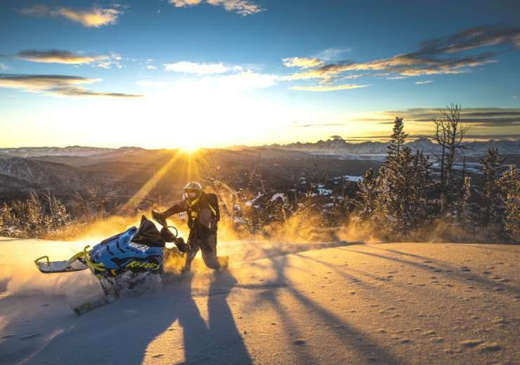 Snowmobile Tours & Guides